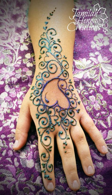 henna heart tattoos best 25 henna ideas on tattoed
