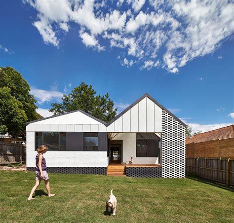 membuat atap rumah atap plafon yang out of the box membuat rumah jadi lebih