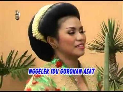 free downloads adi laras erni agustin bokong semok