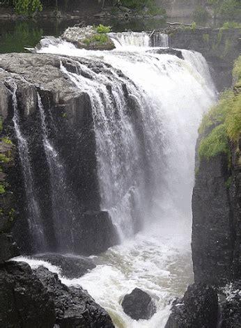 wallpaper bergerak pemandangan air terjun gambar pemandangan air terjun bergerak