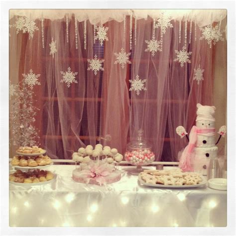 winter themed baby shower decorations best 25 snowflake baby shower ideas on