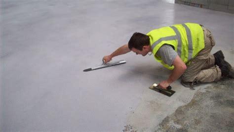 primer per piastrelle pavimento in resina come si posa la resina le tecniche e