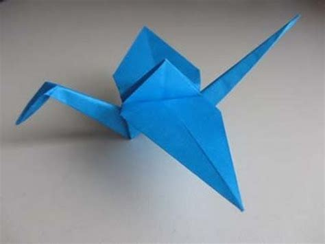 Paper Crane Folding - how to fold an origami crane aka how to keep occupied