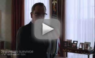 designated survivor is finally back so where were we designated survivor 7 reasons we re glad president