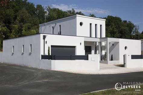 Maison Moderne Cubique by Maison Contemporaine Style Unique