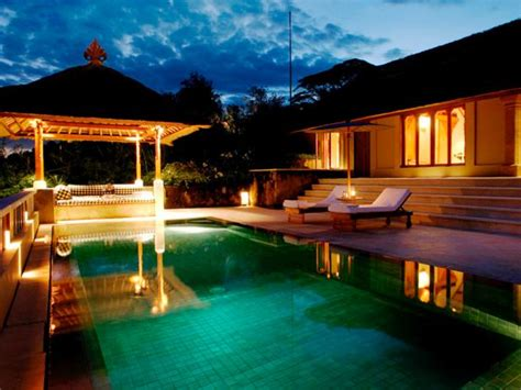 7 Most Destinations For Your Honeymoon by Top 10 Most Attractive Honeymoon Destinations In World