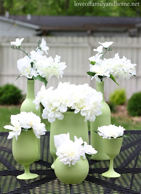 inexpensive table centerpieces easy inexpensive centerpiece ideas spray painted vases