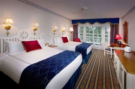 Disney Yacht Club Rooms by Pin By Donna Luvs Travel On Walt Disney Worlds Resort