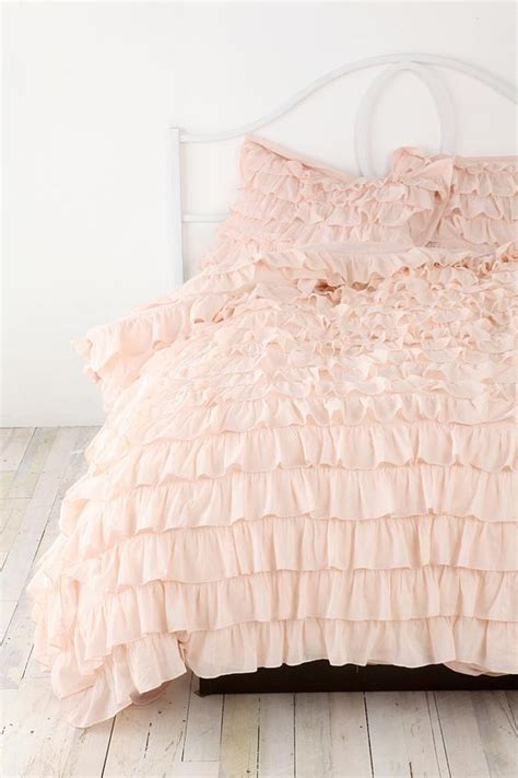 fluffy bed comforters 36 adorable bedding ideas for feminine bedrooms digsdigs