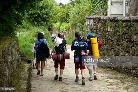 a pilgrim s guide to the camino de santiago camino francã s â st jean â roncesvalles â santiago camino guides books camino de santiago stock photos and pictures getty images