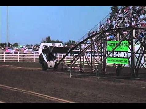 bobcat 463 stunts best of bunny checker skid steer loader bobcat stunts doovi