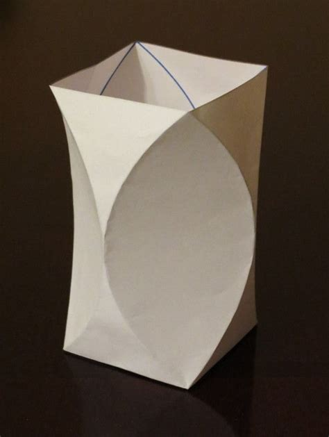 Simple Origami Vase - curved crease vase diy papel origami