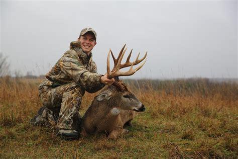 buck canada beasley s ontario behemoth deer realtree