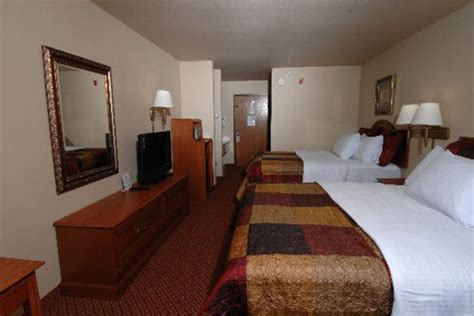 2 bedroom suites in branson mo branson vacations all american inn and suites vacation deals
