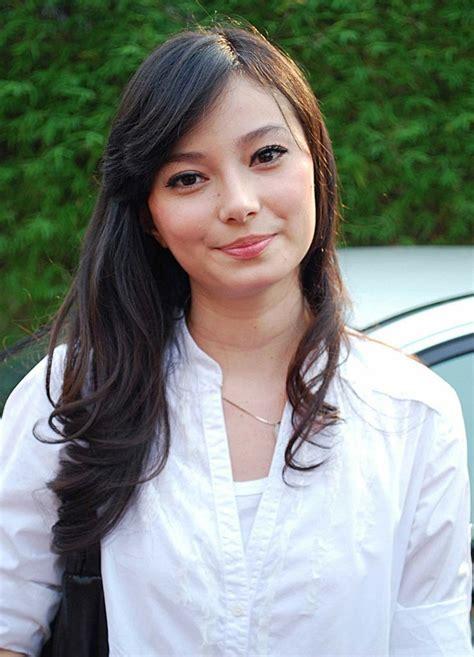 artis indonesia artis indonesia terpopuler asmirandah jpg 880 215 1221