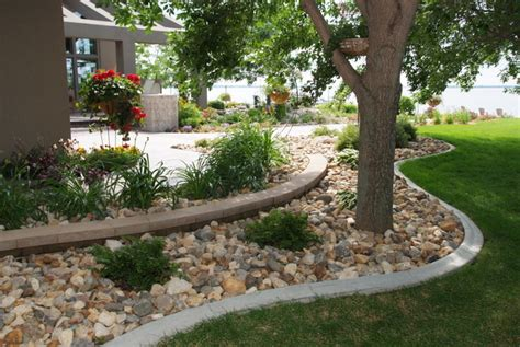 creative landscape borders for concrete landscape edging