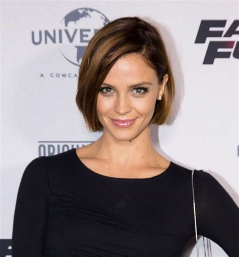 blunt chin length bob 1000 ideas about hairstyles for 2015 on pinterest