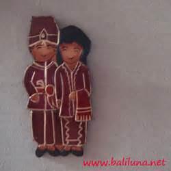 Cokelat Sovenir Nikah Adat Melayu souvenir pernikahan magnet hiasan kulkas pengantin tradisional nusantara 01