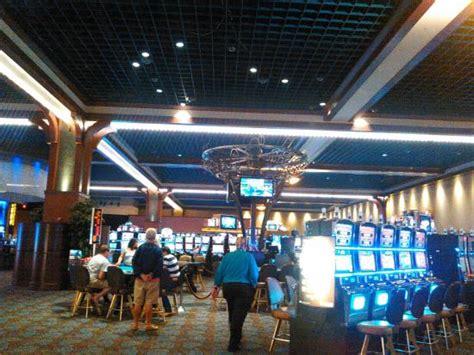 bon appetit buffet picture of q casino dubuque