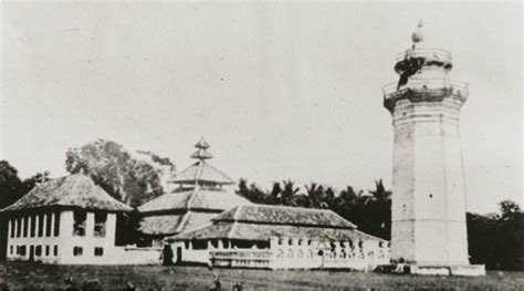 Masjid Agung Banten Nafas Sejarah Dan Budaya Oleh Juliadi masjid agung banten dan sepenggal kisah di dalamnya ikons id