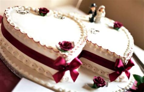 Shaped Wedding Cakes by Pictures Of Shaped Wedding Cakes