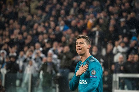 ronaldo juventus applause cristiano ronaldo has sent rashford another class gift sportbible