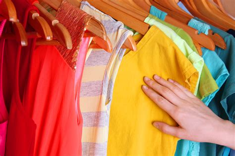how to wash color clothes colour care how to wash bright clothes persil