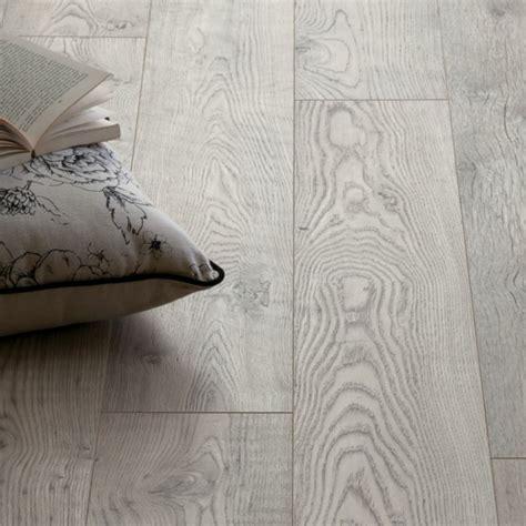 grauer wollteppich grauer vinylboden trendy gerumiges frische haus ideen