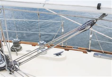 boom vang using a sailboat boom vang in sailing