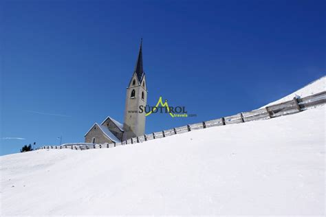 winterurlaub in einer berghütte winterurlaub skiurlaub in s 252 dtirols s 252 den skigebiete
