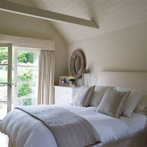 And Co Inspired Bedroom by Guest Bedroom Be Inspired By A Buckinghamshire Cottage