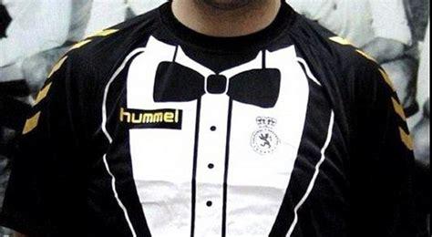 desain jersey bola unik klub spanyol pamerkan jersey unik dan aneh okezone bola