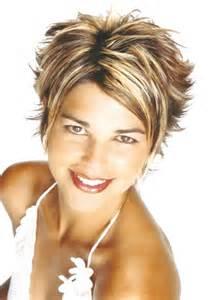 coupe de cheveux court femme cheveux fins
