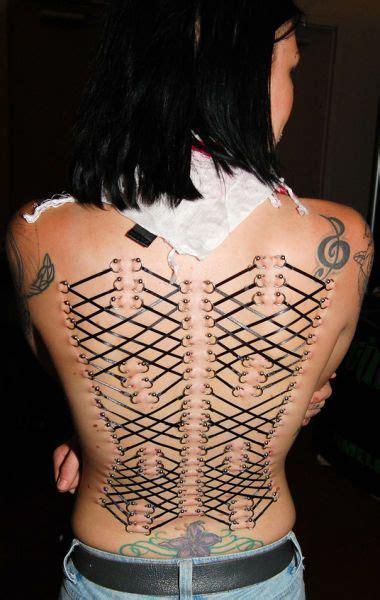 extreme tattoo body piercing extreme female body modifications 20 photos xaxor