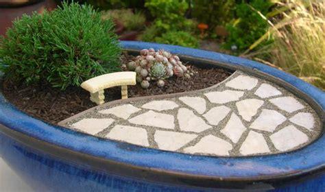 Container Flower Gardening Ideas - diy mini gardens the garden glove