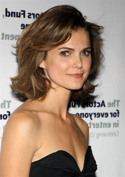 medium curly hairstyles styles weekly keri russell cute layered medium wavy bob hairstyle