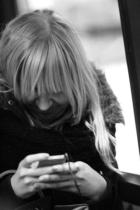 Com o celular, nós perdemos a capacidade de 'olhar para