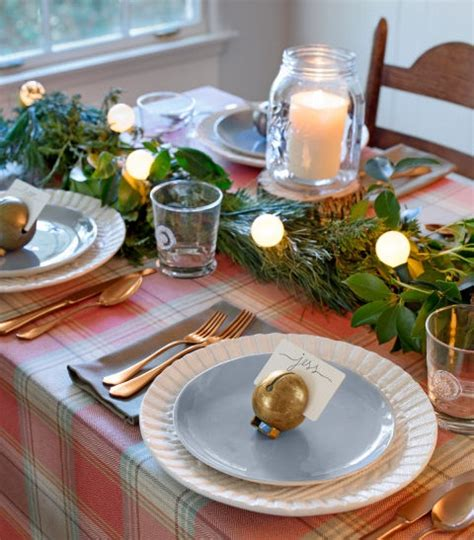country christmas table decorations