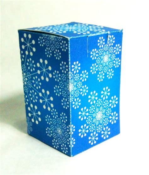 Papercraft Gift Box - papercraft of the day 12 25 11 359 365 gift