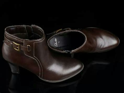 Sepatu Clarks Boots Brown ready stock leather boots kode clarks brown size
