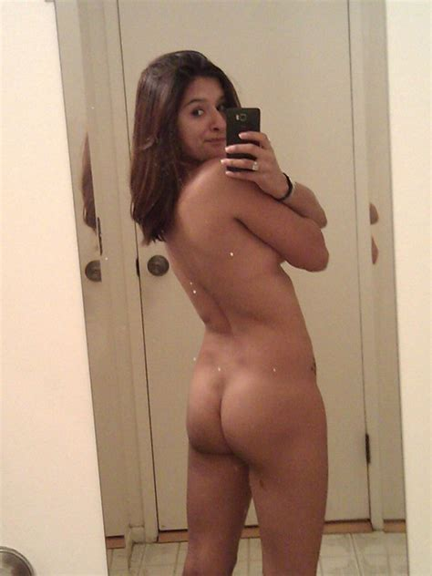 Sexy Haryana College Girls Nude Selfies