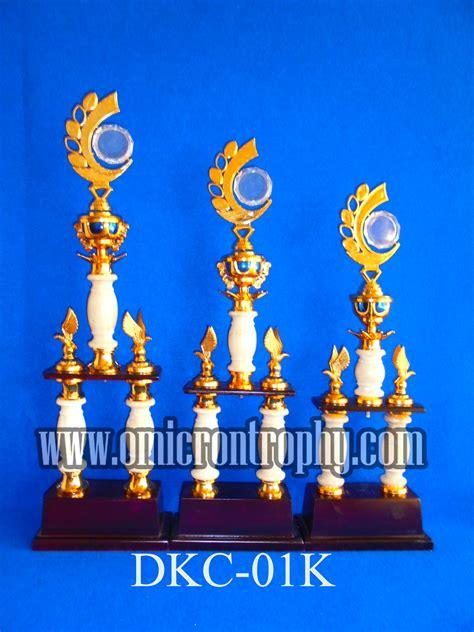 Piala Trophy Per Set 1 Kaki 51 jual piala trophy marmer kaki 2 untuk kejuaraan bergilir