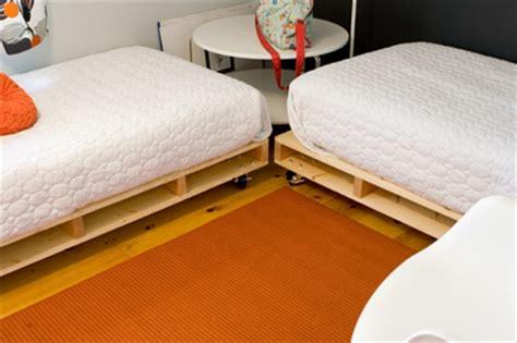 build pallet bed frame  dual mattress