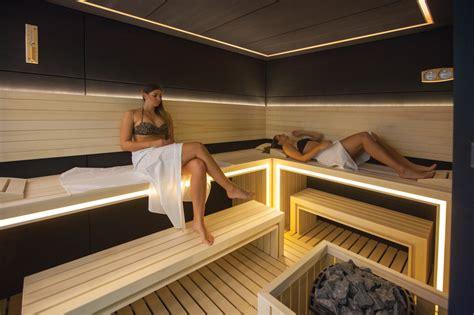 sauna bathtub wellness finnish sauna arany b 225 r 225 ny hotel