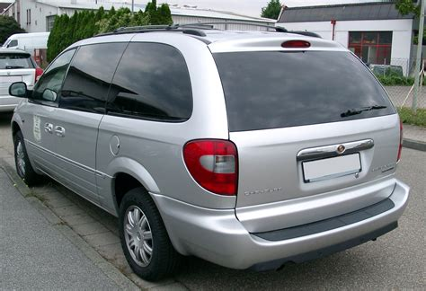 file chrysler grand voyager rear 20070902 jpg wikimedia commons