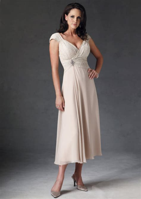 Casual Wedding Dresses For Older Brides   Styles of