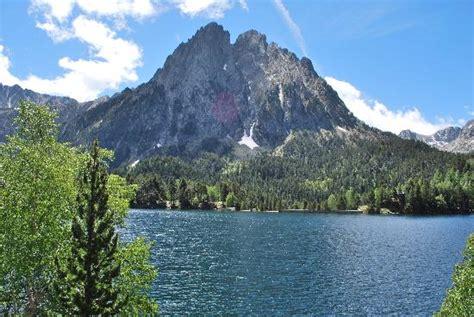 aigã estortes estany de sant maurici national park pyrenees spain 1 25 000 trekking map alpina books estany de sant maurici picture of parque nacional de