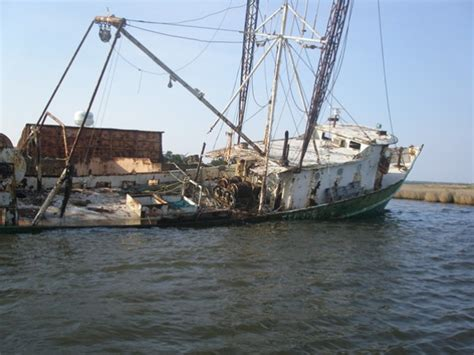 abandoned boats for sale sinking abandoned shrimp boats around savannah page 3