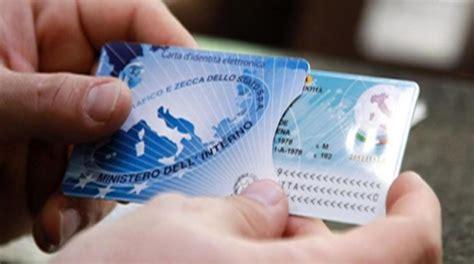 ufficio anagrafe taranto pronta la nuova carta d identit 224 elettronica telerama