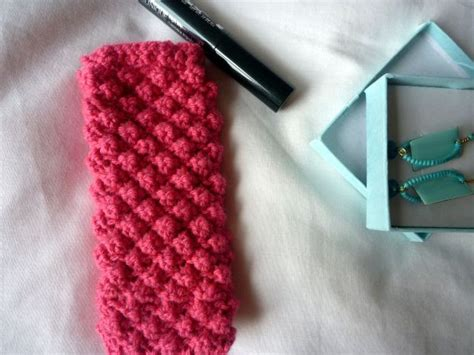 how to knit a phone sock seaweed raine knitted sock for an iphone tutorial